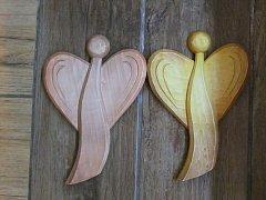Anděl dvoukřídlý k pověšení - 20 cm
