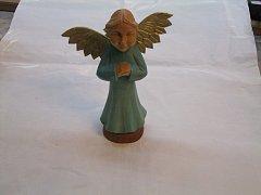 Anděl  skřídly barevný - 20 cm