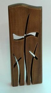 Destička s vlnkou a třemi kříži - 1