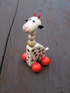Dřevěná hračka - Žirafa na kolečkách - 1