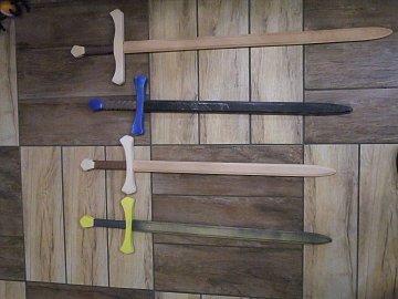 Dřevěný meč dlouhý barevný  - 1