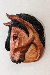 Hlava koně hnědá - dřevěná plastika 16x13 - 1