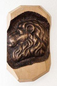 Hlava lva - dřevěná plastika 20x30 - 1