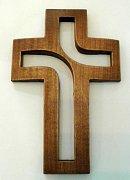 Kříž plastický 15 cm