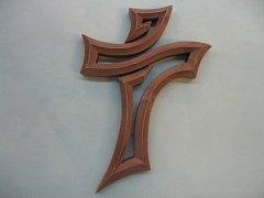Kříž prořezávaný tmavý - 16 cm