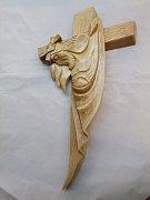 Kříž s Ježíšem moderní