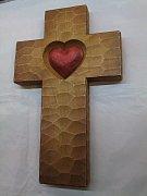 Kříž se srdcem - 41 cm