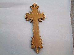 Kříž vyřezávaný - 34 cm
