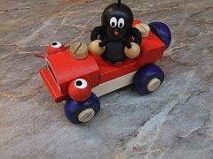 Krteček - mrkací auto