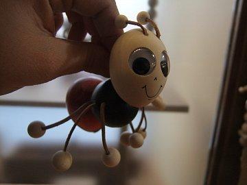 Mravenec na pružině  - 1