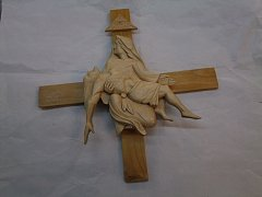 Pieta na kříži - 33 cm