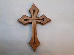 Vyřezávaný kříž do špiček - 15 cm
