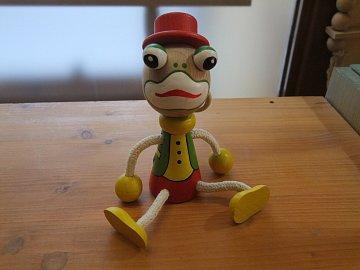 Žába na pružině - 1