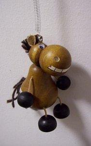 Závěsná hračka - Zubatý kůň hnědý - 1