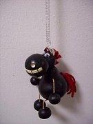 Závěsná hračka - Zubatý kůň tmavě hnědý